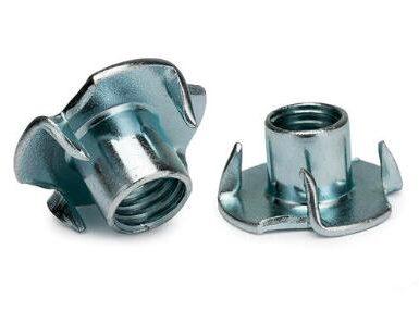 DIN1624 چهار فولاد کربن مهره پنجه ای